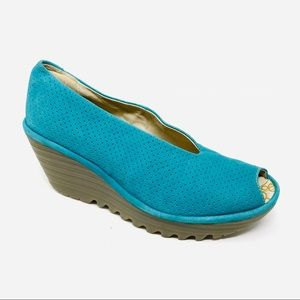 FLY LONDON Yuri perforated wedge in Peacock